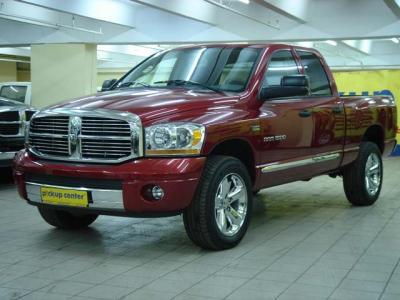 1500 Laramie Двигатель нжектор 5.7 литра, 345 л.с. бордовый перламутр, салон-кожа, круиз-контроль, R20 Автомобиль есть в наличии