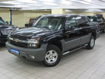 Двигатель-инжектор, 5.3 л., 288 л.с., чёрный, крышка грузовой платформы. Колесная формула - 4х4.  Все автомобили, выставленные в