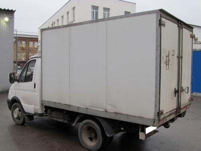 Фургон. Левый руль. Салон: Ткань. Цвет: Белый. Задний привод. Коробка: Ручная. Объем двигателя: 2.5 л. Двигатель: Бензин карбюра